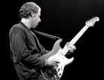 260px-Mark_Knopfler_with_Schecter_Stratocaster,_Amsterdam_1981.jpg